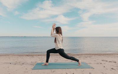Yoga im Stehen für Gleichgewicht & Stabilität | 8 Minuten | Video & Podcast 06